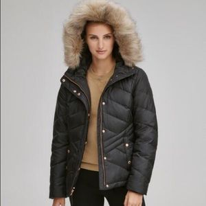 Never worn Black QUILTED DOWN COAT MARC NEW YORK